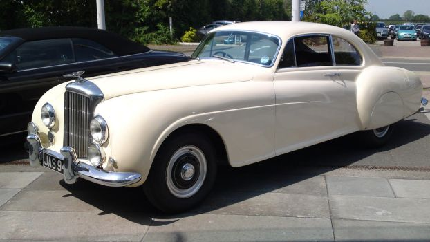 1950 Bentley R-Type Conti by M1k3rophone