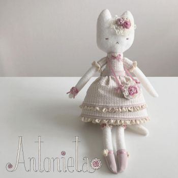 Antonieta - clothdoll - original character design by natalianinomiya