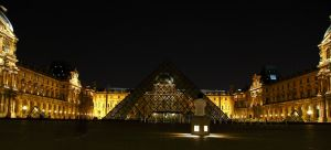 Alone at the Louvre by lightzone