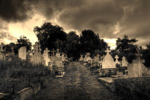 graveyard by lucifersdream