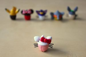 Hello Kitty Cupcake by lonelysouthpaw