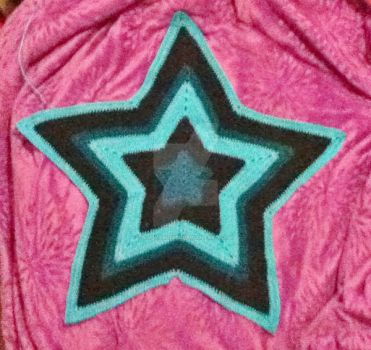 Updated Five Point Star Afghan by Ladybug1985