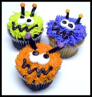 Silly Monster Cupcakes by theshaggyturtle