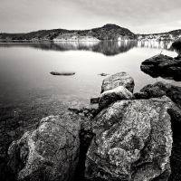 Norwegian lake no.2 by anoxado