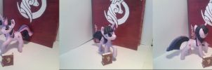 Twillight Sparkle and Books? by Dalagar