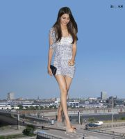 Mega Victoria Justice smashing a car by ZituKX