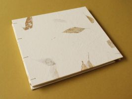 Amate Paper Guestbook - Brown Leaves by GatzBcn
