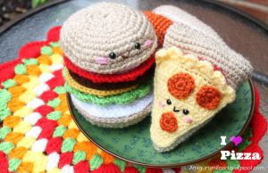 Pizza Amigurumi by Amigurumifood