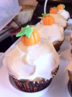 Pumpkin spice cupcakes by star-rose-three