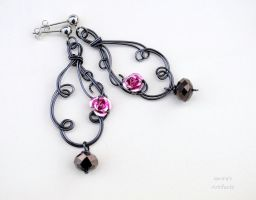 Hematite color wire earrings with roses by IanirasArtifacts