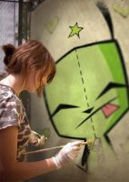Sum1 painting gir by Invader-zim-fanatic