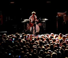 Nick Santino + Crowd by kaitlynrofl