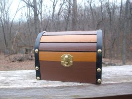Zelda Treasure Chest With Hylian Lining by ZombieBunnySlaya