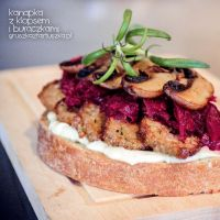 sandwich with meatloaf and beetroot by Pokakulka