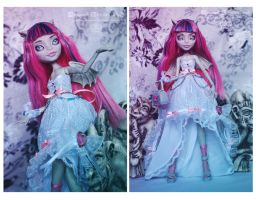 Monster High Rochelle Goyle OOAK Artistic by MyobiMarishka