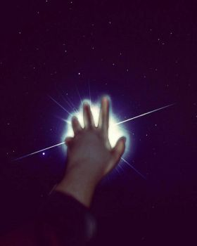 Star in my hand by Gabriella112