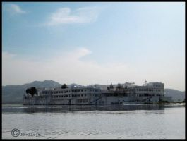 Lake palace by Akvileja