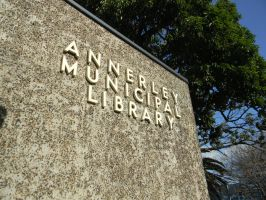 Annerley Municipal Library by Zomit