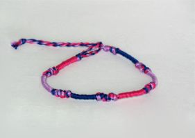 Bisexual Pride friendship bracelet by catnmaus