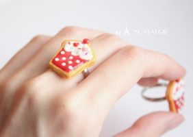 Cupcake sugar cookie adjustable rings handmade by LaNostalgie05