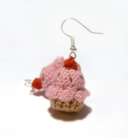 Strawberry cupcakes crochet earrings by vrlovecats