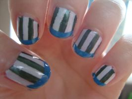 Stripy nails by luminousleopard