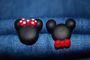 Mickey n Minnie studs by Libellulina