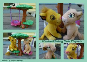 Hasbro Kissing Cubs Playset by DoloAndElectrik