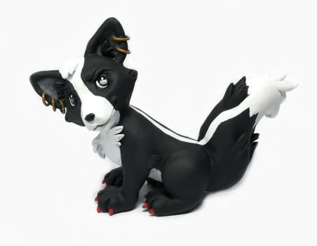 Squee Sculpture by LeiliaClay