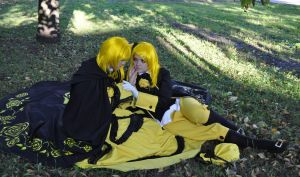 Cosplay Kagamine Rin and Len74 by NakagoinKuto