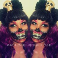 golden skull by ARTSIE-FARTSIE-PAINT