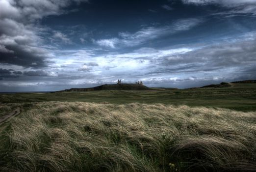 Dunstanburgh Castle by AndrewYoull