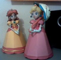 Papercraft Peach + Daisy by Xanokah
