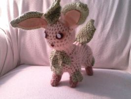Leafeon Crocheted by Kitorahoshi
