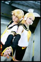 Kagamine Twins 4 by AllexisN