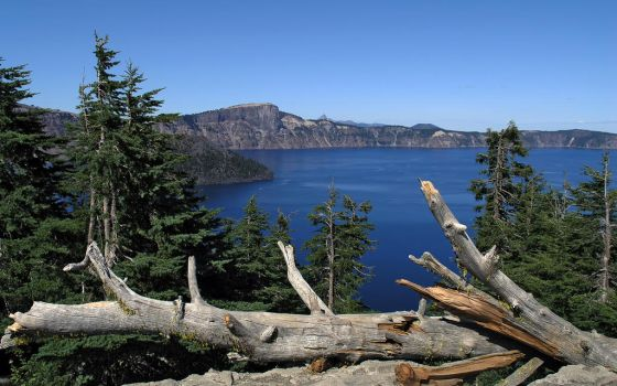 Crater Lake 01 by IvanAndreevich