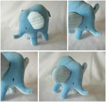Blue elephant by elbooga