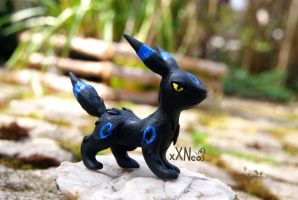 shiny umbreon by xXNeo