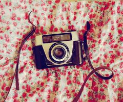 Grandpa's Camera by EneKiedis