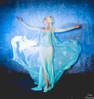 Queen Elsa from Frozen by memoire-hana