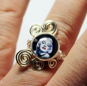 Marylin Monroe Adjustable Wire Wrap Ring by Create-A-Pendant
