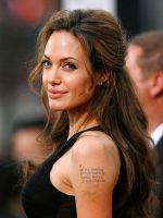 Angelina Jolie by nimbly