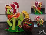 Young Granny Smith Sculpture by SinystraSunshine