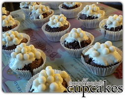 cupcakes - choco snowballs'1 by angelicetherreality