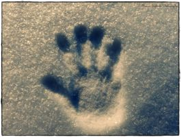 Handprint by moonik9