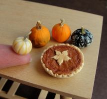 1:12 Scale Pumpkin Pie by fairchildart