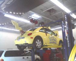 Checking Into the Poke-Auto Center by pikabellechu