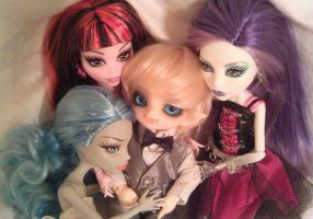 .: it's a doll's life :. by tirsden