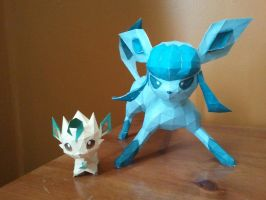 Chibi Leaf and Glaceon Papercraft by CBuizel