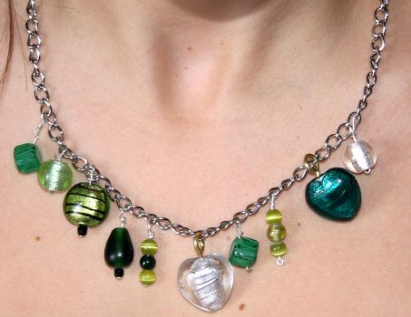 Green necklace by amyhooton